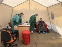Hastane bahçesine triaj çadırı kuruldu