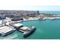 Korona nedeniyle boş kalan Kadıköy Meydanı havadan görüntülendi