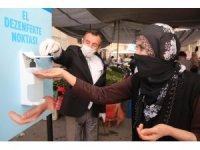 Akdeniz'de pazar yerlerine el dezenfekte noktaları kuruldu