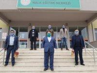 Sakarya'da 84 mahallede 2 bin 100 kişiye maske ulaştırıldı