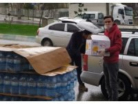 Gönüllülerden ihtiyaç sahiplerine gıda yardımı