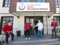Gençlik Merkezlerinde 'koruyucu maske' üretimi devam ediyor