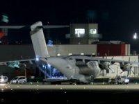 Türkiye'den sağlık ekipmanları alan İngiliz uçağı İngiltere'ye ulaştı