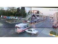 Ambulansla otomobilin kaza anı kameralarda