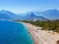 Antalya'dan 23,5 milyon turiste 4 dilde mektup