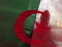 Cezayir, Fransa'yı 'sömürge döneminde 5.5 milyondan fazla Cezayirliyi öldürerek, etnik temizlik yapmakla' suçladı