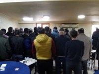 Dernekte kumar oynarken yakalanan 37 kişiye 113 bin 400 lira para cezası