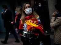 İspanya'da tencere-tavalı koronavirüs önlemleri protestosu