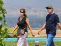 İzmir'de bazı alanlarda maske takma zorunluluğu getirildi