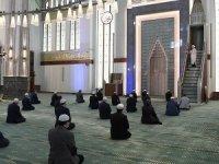 Diyanet: Bu yıl, maalesef camilerimizde bayram namazı kılınamayacaktır