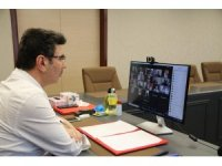 Rektör Karacoşkun basın temsilcileriyle tele konferansta bir araya geldi