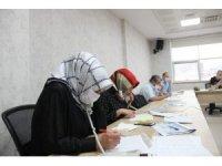 Çay toplamak için Rize'ye gelen vatandaş sayısı 15 bin 394'e ulaştı