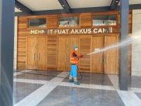Kuşadası'nda camiler temizlenip, dezenfekte edildi