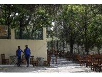 Yunanistan'da kafe ve restoranlar yeniden açıldı