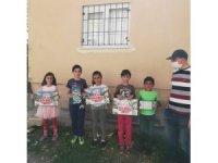 Çağlayan İlkokulu idaresi ve öğretmenleri öğrencilerini evlerinde ziyaret etti