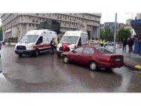 Zonguldak'ta ambulans ile otomobil çarpıştı: 1 yaralı