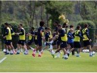 Fenerbahçe, Riva'da kampa girdi