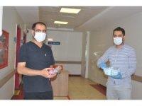 Korona virüs nöbeti tutan sağlık çalışanları bayramda da unutulmadı