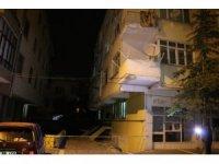 Kayseri'de 3 katlı apartman karantinaya alındı