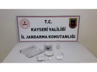 Jandarmadan 3 ilçede uyuşturucu operasyonu: 4 gözaltı