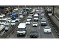 E5 kara yolundaki trafik yoğunluğu havadan görüntülendi
