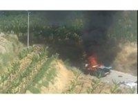 Antalya'da otomobil alev alev yandı