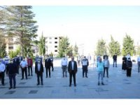 Belediyede fiziksel mesafeli bayramlaşma