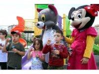 Nevşehir'de çocuklar maskotlarla eğlendi