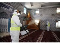 Döşemealtı'nda camiler dezenfekte ediliyor
