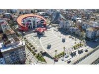 Demokrasi Meydanı'nda ilk cuma namazı