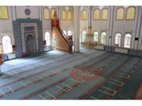 Uşak'ta camiler 74 gün sonra cemaatle buluşuyor