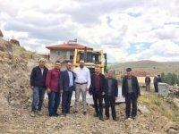 Şuhut'ta köy yollarında çalışmalar devam ediyor