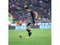 """Necip Uysal: """"Futbolu Beşiktaş'ta bırakmak istiyorum"""""""