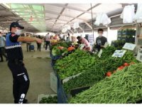 Toroslar'da semt pazarı yerlerinde önlemler sıkı tutuluyor