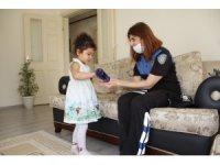 Minik Zeynep'in park hayalini polis gerçekleştirdi