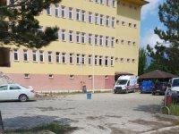 Okuldan atılan kalorifer peteği üzerine düşen işçi öldü, 2 kişi gözaltına alındı