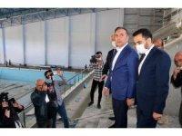 Spor tesislerini inceleyen AK Parti Çorum Milletvekili Ahmet Sami Ceylan;