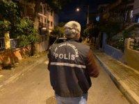 İzmir'de korkunç cinayet: 14 yerinden bıçaklanan şahıs, hayatını kaybetti