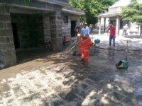 Diyarbakır'da camiler namaz öncesi dezenfekte edildi