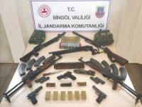 Bingöl'de 10 adrese operasyon çok sayıda silah ele geçirildi : 12 gözaltı