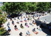 Malatya'nın ilçelerinde Cuma namazı heyecanı