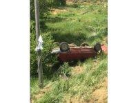 Tufanbeyli'de otomobil şarampole uçtu, sürücü yaralı kurtuldu