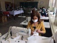 Erzincan'da LYS sınavına girecek öğrenciler için maske üretildi