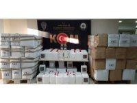 İzmir'de iki ayrı depoya baskın: Yaklaşık 8 ton sahte etil alkol ele geçirildi
