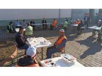 Başkan Kayda'dan işçilerle sosyal mesafeli kahvaltı