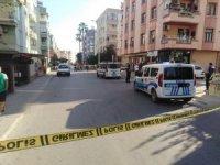 Hasımların silahlı kavgasında olay yerinde bulunan masum kadın öldü