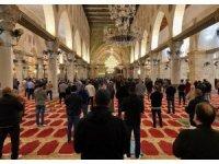 Mescid-i Aksa 2 ay sonra yeniden ibadete açıldı