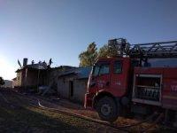 Özalp ilçesinde yangın: 2 yaralı