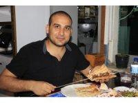 Adana'da kebapçılar doldu taştı