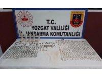 Yozgat'ta bir otomobilde 665 parça tarihi eser ele geçirildi